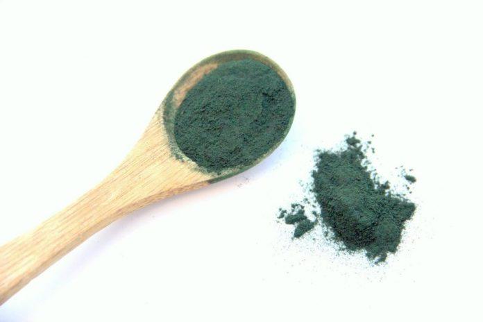 alga spirulina benefici proprietà controindicazioni