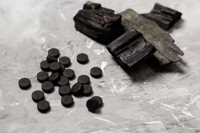 carbone attivo caratteristiche proprietà benefici